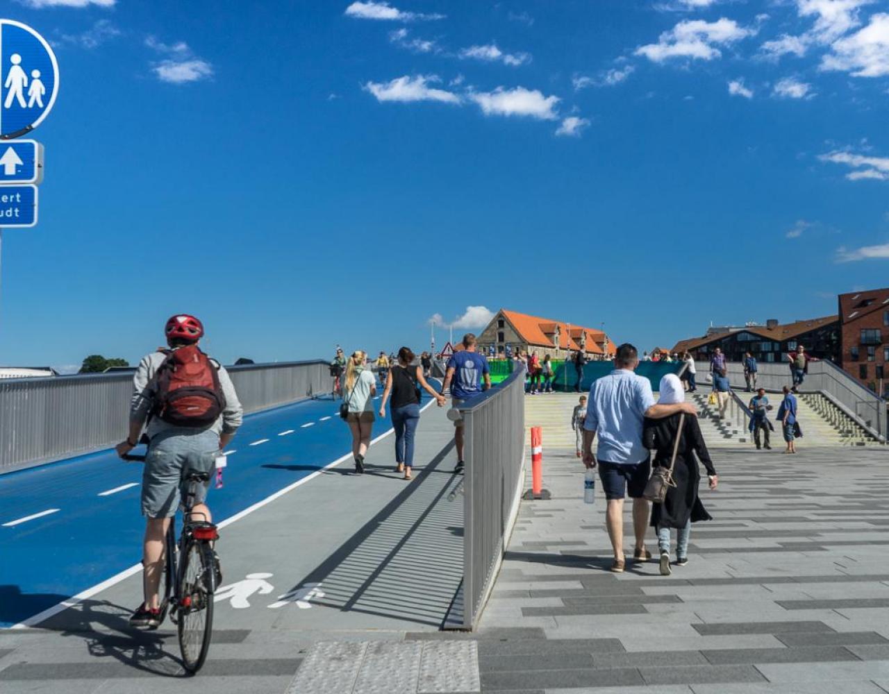 Inderhavnsbroen trafik