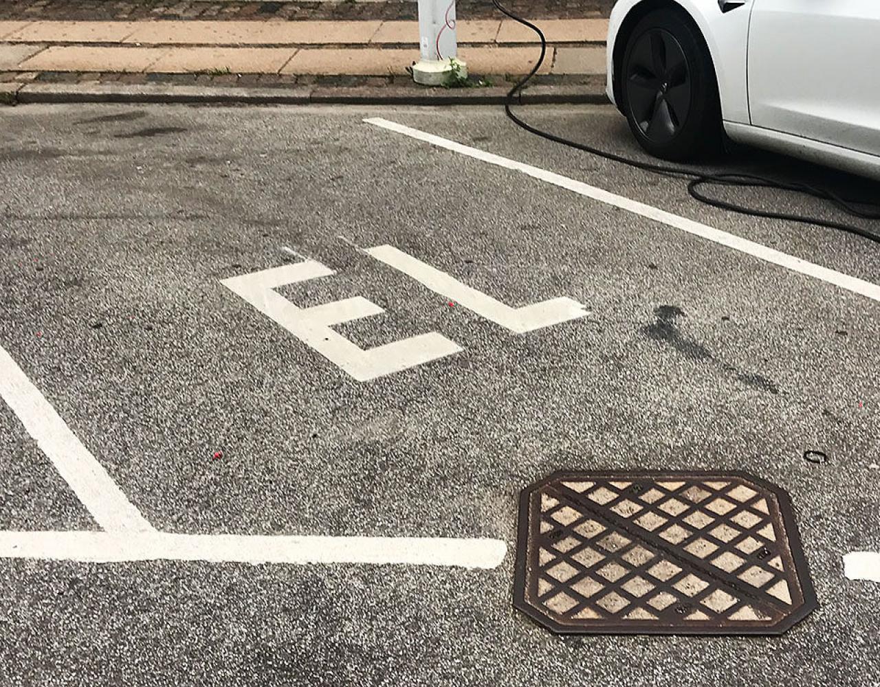 Elbils-parkering i København