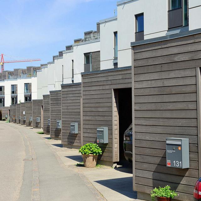 8564  Neubaugebiet Havnevigen in Kopenhagen - ca. 400 Eigenturmswohnungen an einer künstlichen Bucht mit Badestrand nahe dem Südhafen.