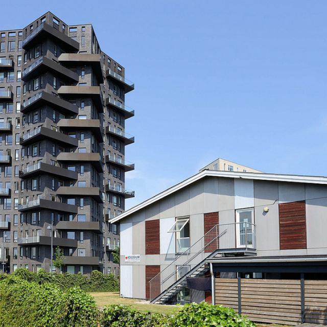 8560  Neubaugebiet Havnevigen in Kopenhagen - ca. 400 Eigenturmswohnungen an einer künstlichen Bucht mit Badestrand nahe dem Südhafen.