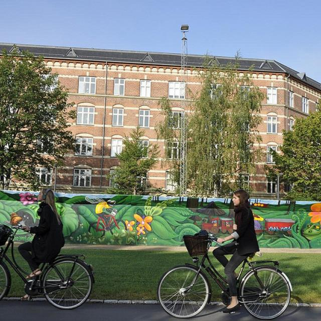 Byens Hegn, Nuuks Plads, 'Cykkelmyggen Egon' af Peter Skensved og co i samarbejde med Østre Gasværk Teater, 2012