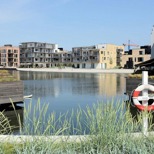 8563  Neubaugebiet Havnevigen in Kopenhagen - ca. 400 Eigenturmswohnungen an einer künstlichen Bucht mit Badestrand nahe dem Südhafen.