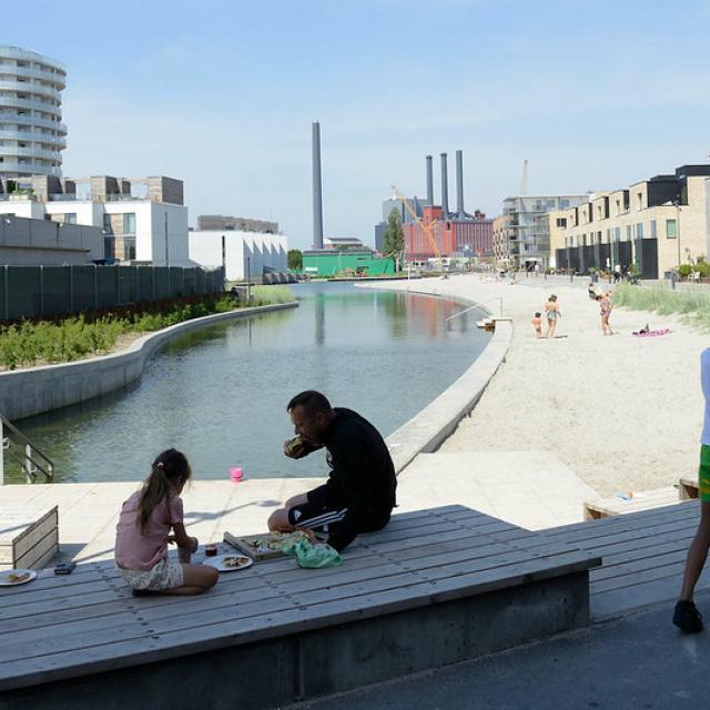 8574 Neubaugebiet Havnevigen in Kopenhagen - ca. 400 Eigenturmswohnungen an einer künstlichen Bucht mit Badestrand nahe dem Südhafen.