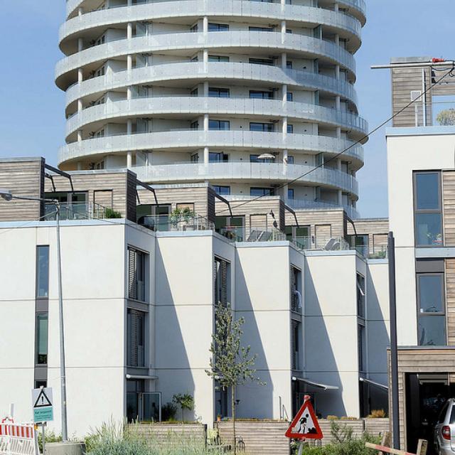 8562  Neubaugebiet Havnevigen in Kopenhagen - ca. 400 Eigenturmswohnungen an einer künstlichen Bucht mit Badestrand nahe dem Südhafen.