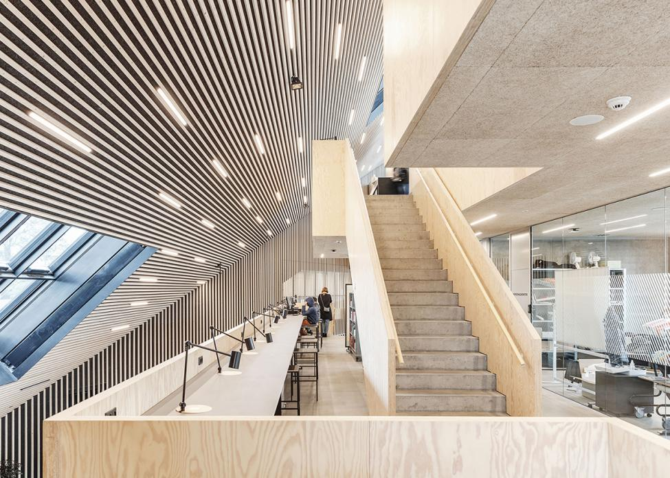 tingbjerg bibliotek trappe