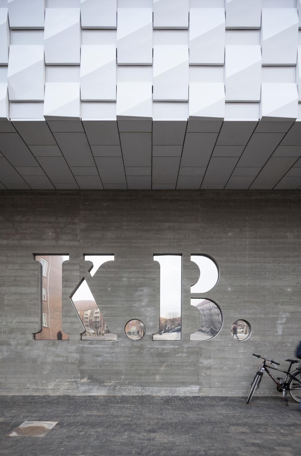 kb hallen initialer