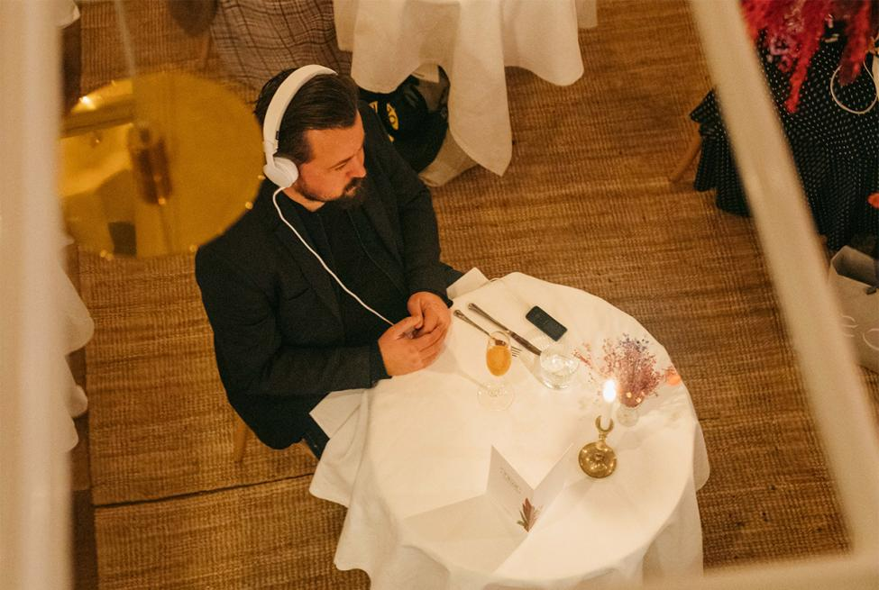 solo dining hovedtelefoner