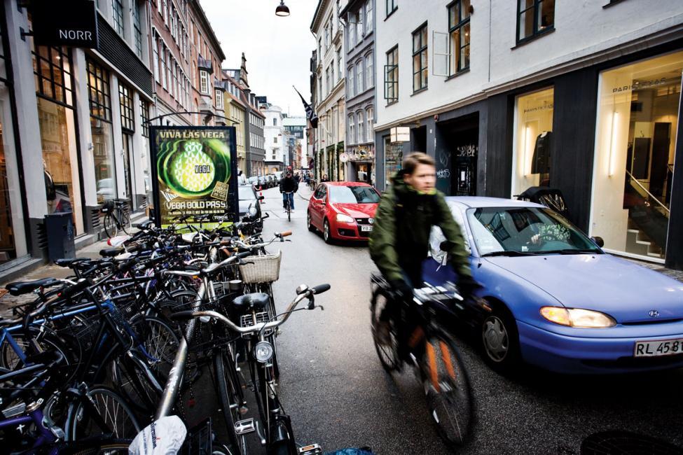Pilestræde med biler og cykler København 2009