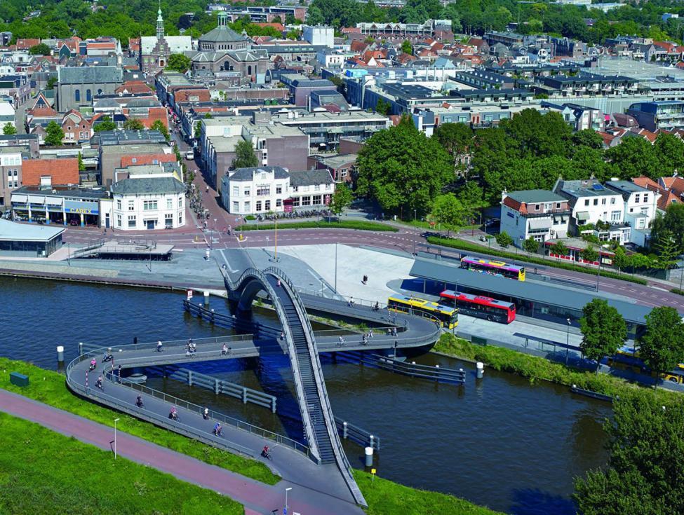 Melkweeg cykelbro holland