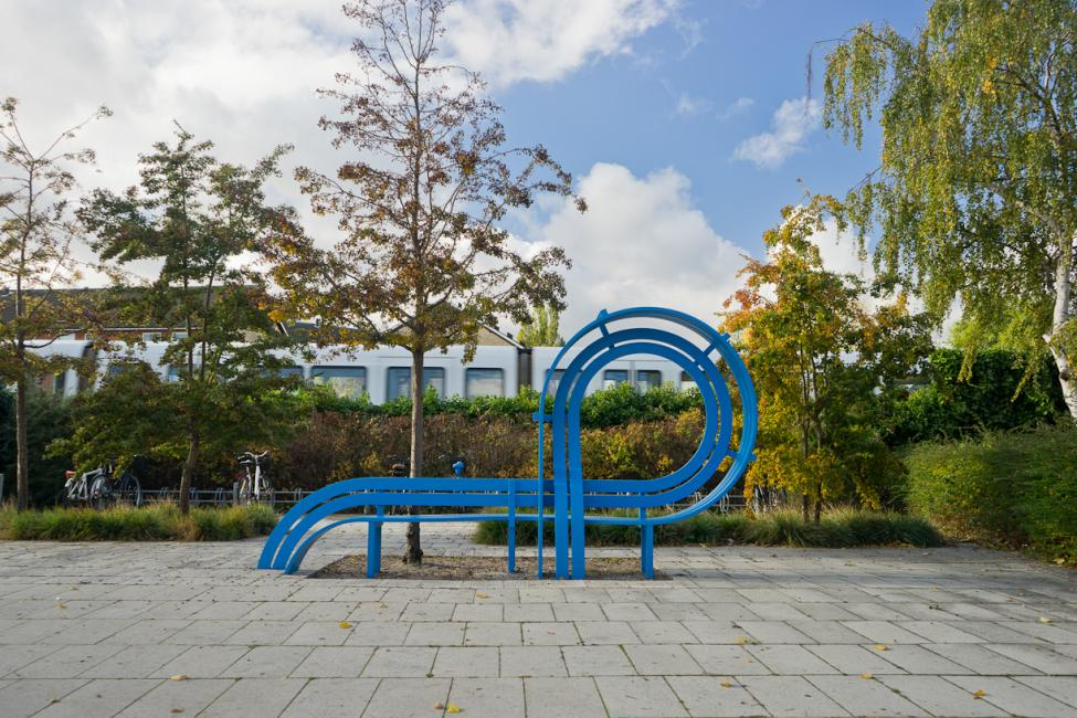alleen blue modified social bench
