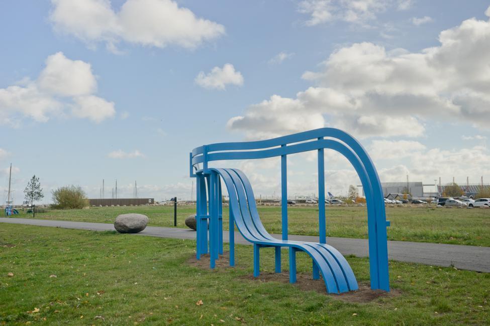 jacob fortlingsvej blue modified social bench
