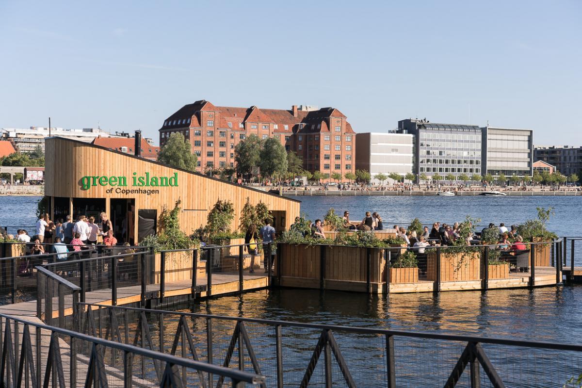 En flydende café i havneløbet   Magasinet KBH